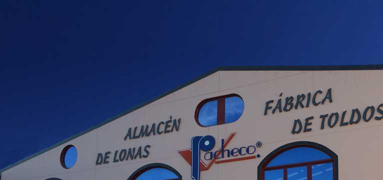 Fachada toldos Pacheco